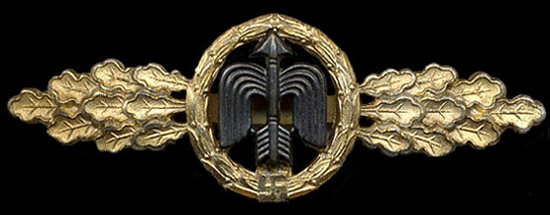 Day Fighter Clasp_Gold
